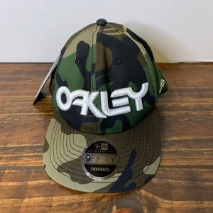 New with Tags Oakley Mark 2 Camo SnapBack Hat